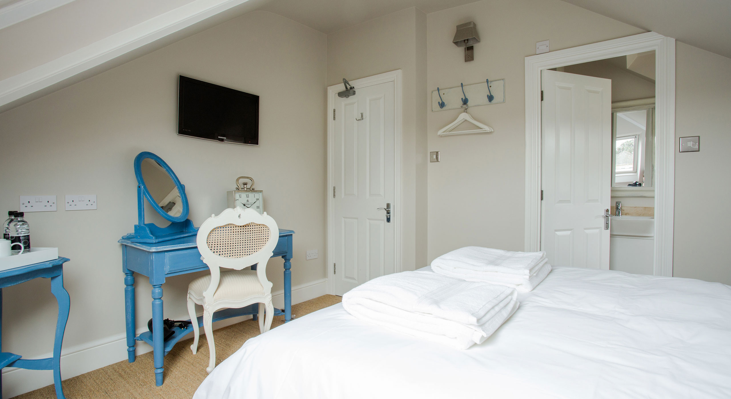 Room Nine at Grays Boutique B&B Bath 03